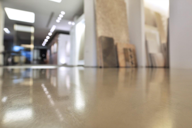Pavimenti In Cemento Resina : Meglio un pavimento in microcemento oppure un rivestimento in resina